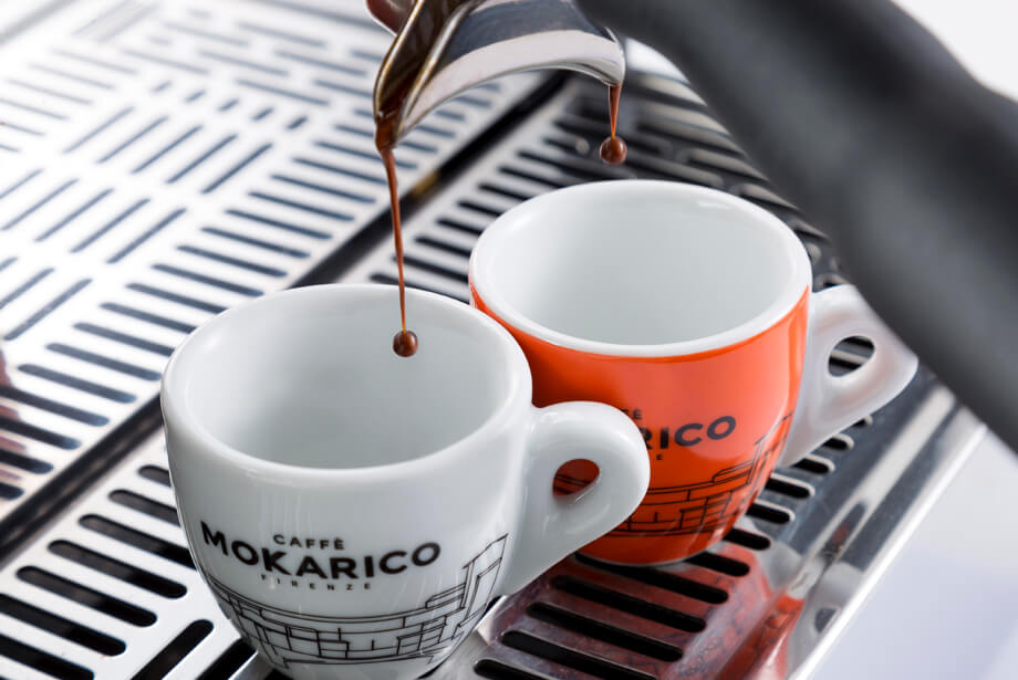 coffee drops into Mokarico cups