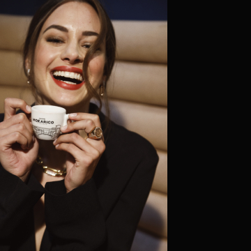 Mokarico cup of coffe view of Ponte Vecchio Florence
